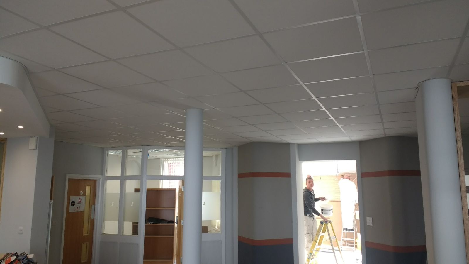 Suspended Ceilings | Office, School & Commercial Ceiling Contractor