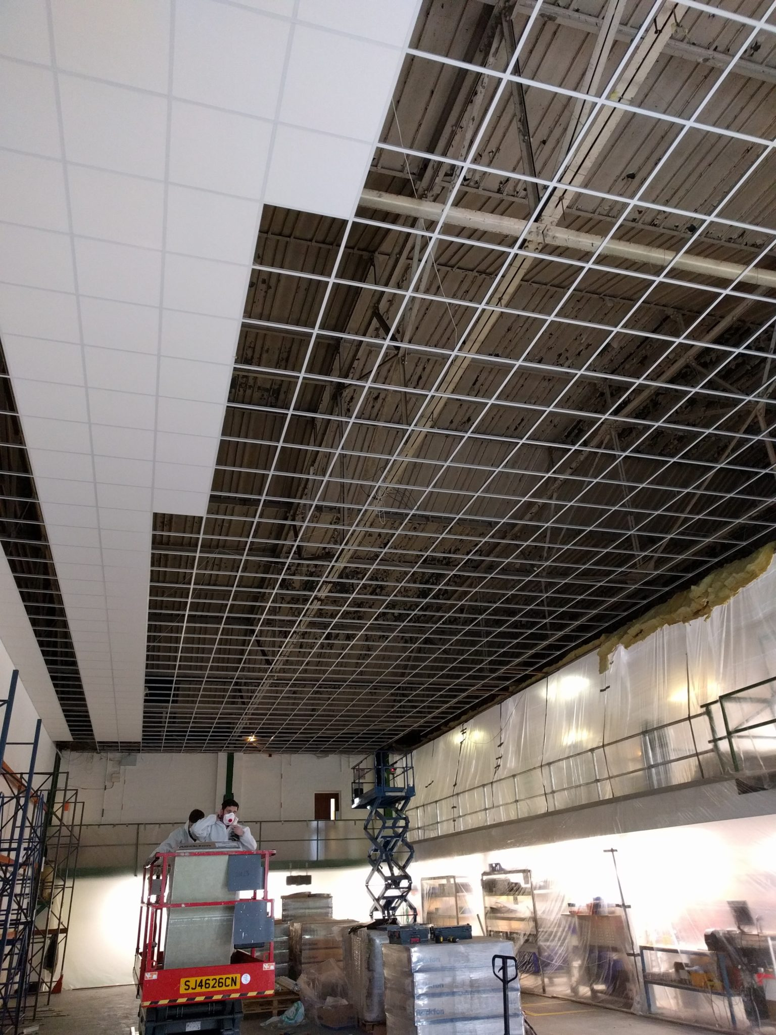 Suspended Ceilings | Office, School & Commercial Ceiling